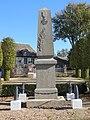 Heudicourt (Eure) - monument aux morts.jpg