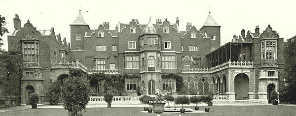 https://upload.wikimedia.org/wikipedia/commons/thumb/3/3b/Holland_House%2C_1896_by_H._N._King%2C_cropped_and_straightened.jpg/600px-Holland_House%2C_1896_by_H._N._King%2C_cropped_and_straightened.jpg