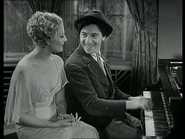 Thelma Todd en Chico Marx in Horse Feathers