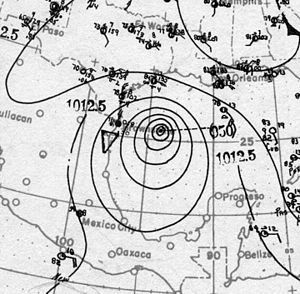 1916 Atlantic hurricane season - Image: Hurricane Six surface analysis 18 Aug 1916