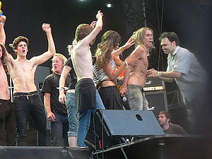 Sziget Festival - Iggy Pop and folks on main stage - 2006