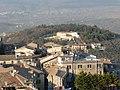 Il colle con il convento dei Cappuccini - panoramio.jpg
