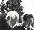 Il poeta Rudy De Cadaval con Ernest Hemingway (1954).jpg