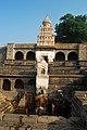 Indien2012 1365 Lonar Dhara Mandir Lonar Gaurmukh.jpg