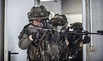 Infanteriesoldaten trainieren (27340559161).jpg