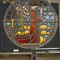 Interieur. Detail glas-in-loodraam van Toorop bij glasatelier Wiegen, Nijmegen - Nijmegen - 20337453 - RCE.jpg