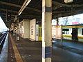 JREast-Kameido-station-platform.jpg