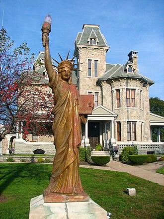 Jackson Mansion and Carriage House - Image: Jackson Liberty Berwick PA