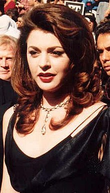 Wikipedia: Jane Leeves at Wikipedia: 220px-Jane_Leeves_at_the_Emmys_cropped