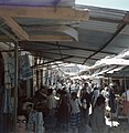 Jeruzalem. Markttafreel in een nauwe straat met aan weerzijden winkeltjes hebbe, Bestanddeelnr 255-9278.jpg