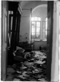 Jewish home plundered by Arab rioters in Hebron cropped.png