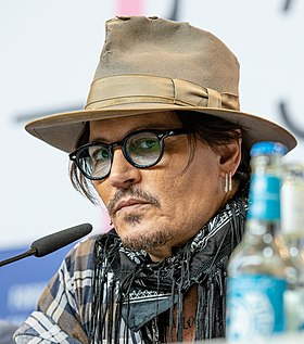 Johnny Depp-2757 (cropped).jpg