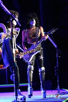 Kiss - Alive III 1/2 - Ultimate Soundboard Recording!