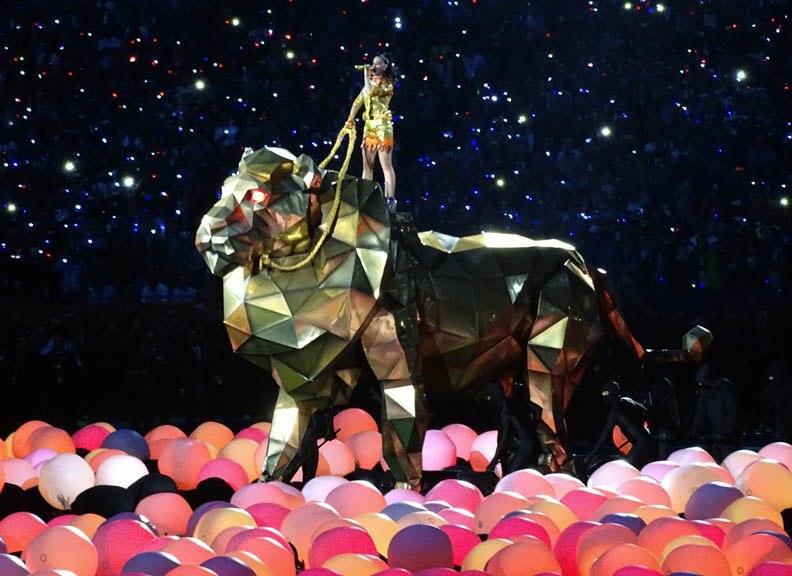 Katy Perry - Super Bowl XLIX Halftime 04