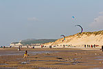 Kite surfer on the beach of Wissant, Pas-de-Calais -8071.jpg