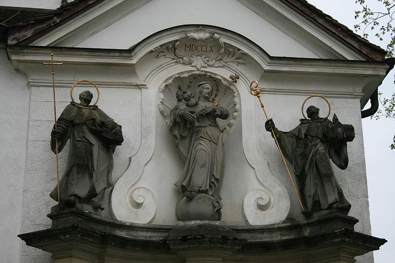 File:Klosterkirche Wettingen Figuren.JPG
