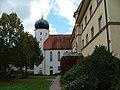 Kolleg Kirche - panoramio.jpg