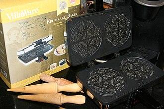 Krumkake - Image: Krumkake gear