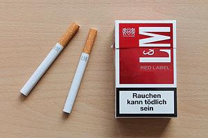 L&M - Image: L&M Red German