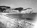 L anse du cap Barre et le cap des Trois Soeurs à Perce - 1944.jpg