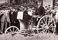 Le tricycle à vapeur chauffée au pétrole n°61 de Roger de Montais au Paris-Rouen 1894.jpg