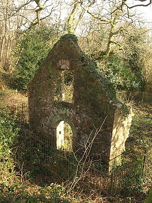 Haldon Hills - The ruins of Lidwell Chapel