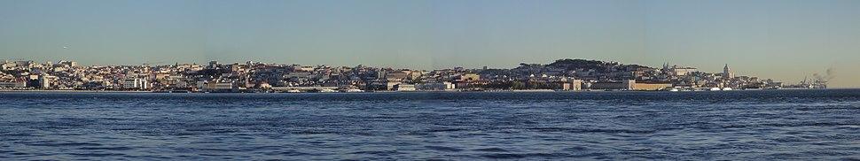Lisboa panoramica vista do rio Tejo 2012