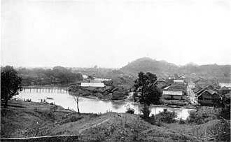 Loikaw - Landscape of Loikaw in 1922. The bridges look flimsy, but were so substantial that elephants walked over them.