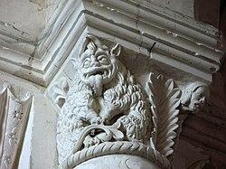 Lucheux église (chapiteau roman - monstre et tête d'homme) 1.jpg