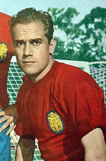 Luis Suárez (footballer, born 1935) Spanish footballer