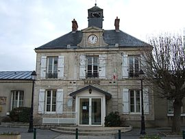 The town hall in Leuville