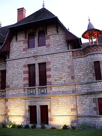 Maison Mantin - Image: Maison Mantin Moulins (2)