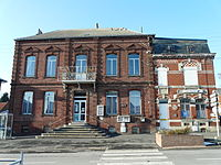 Maretz mairie et poste.JPG