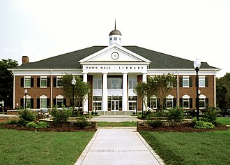 Matthews, North Carolina - Matthews Town Hall and library