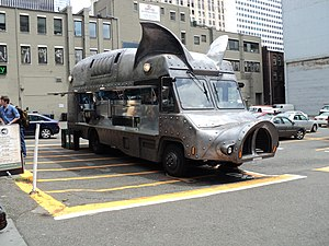Maximus/Minimus - The Maximus/Minimus food truck, at the corner of Pike Street and 2nd Avenue in downtown Seattle, Washington