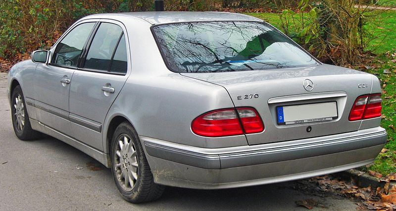Файл:Mercedes E 270 CDI Elegance (W210 Facelift, 1999–2002) rear MJ.JPG
