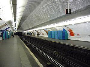 Reuilly – Diderot (Paris Métro) - Image: Metro Paris Ligne 1 Reuilly Diderot (5)