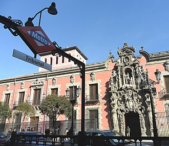 Tribunal (Madrid Metro) - Tribunal metro entrance on Calle de Fuencarral
