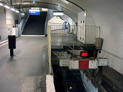 Metro de Paris - Ligne 3 bis - Gambetta 10
