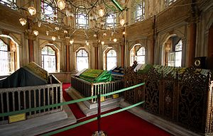 Perestu Kadın - Interior view of the mausoleum of Mihrişah Sultan, where the tomb of Perestu Kadın is located