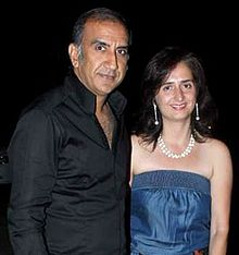 Milan luthria Bollywood & TV actors at Ekta Kapoor's birthday bash.jpg