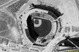 Milwaukee County Stadium satellite view.png