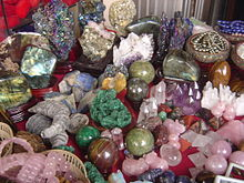 Камнесамоцветное сырьё — Википедия