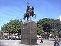 Monumento al Mariscal Sucre, Procer que le da nombre al distrito y a esta Plaza - panoramio.jpg