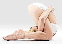 yoga asanas liste des exercices et position à pratiquer