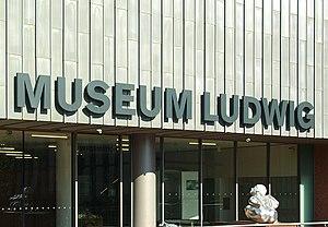 Museum Ludwig Köln - Südeingang - Schriftzug