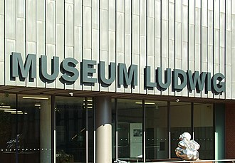 The Museum Ludwig houses one of the most important collections of modern art. Museum Ludwig Koln - Sudeingang - Schriftzug.jpg