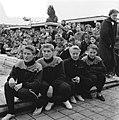 Nationale zwemkampioenschappen Amsterdam, start 100 mete rugslag dames. Van link, Bestanddeelnr 907-9776.jpg