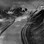 Nenana Glacier, valley glacier with lateral moraines, August 22, 1960 (GLACIERS 5202).jpg