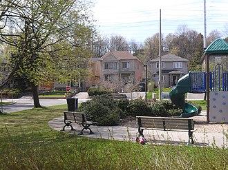 Governor's Bridge, Toronto - Nesbitt Park and adjacent homes in the western section